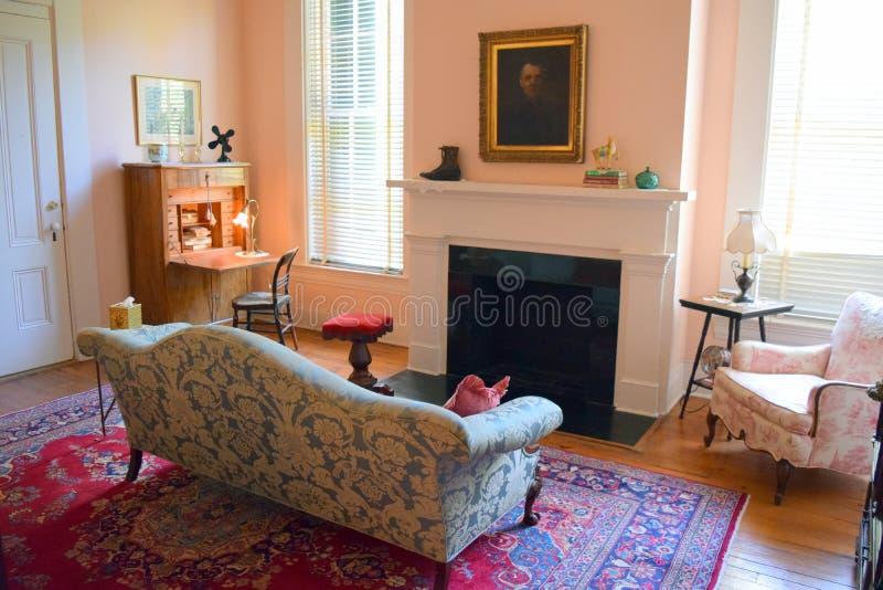 Área antebellum da sala de estar do quarto de hóspedes da plantação de Belmont imagens de stock royalty free