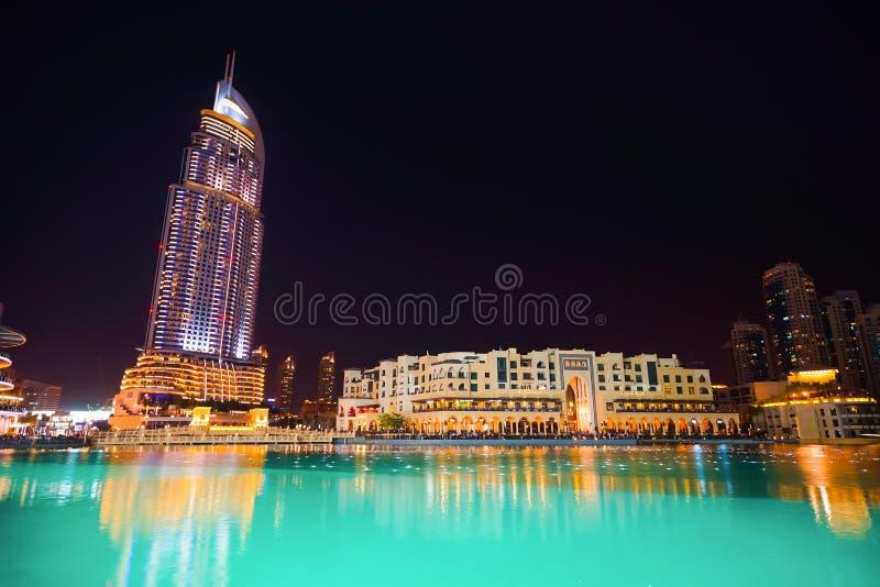 Área cerca de la fuente de Dubai foto de archivo