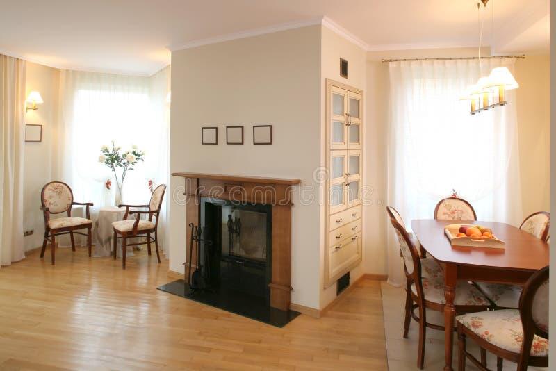 Área clásica de la sala de estar y de cena foto de archivo libre de regalías