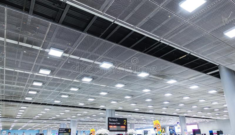 007 - Área de espera do terminal de aeroporto do teto da perspectiva fotos de stock royalty free