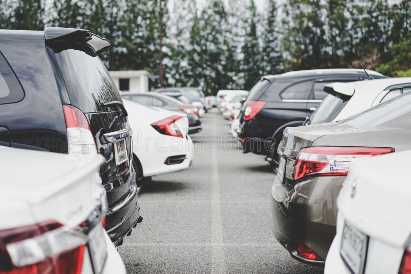 Área de estacionamento com rua fotos de stock royalty free