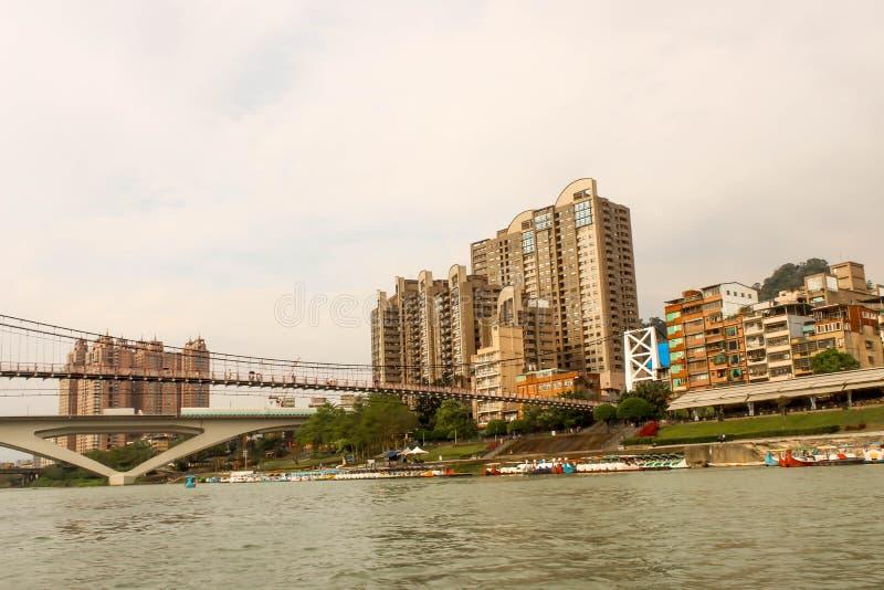Área de la orilla de puente colgante de Bitan en Taiwán foto de archivo