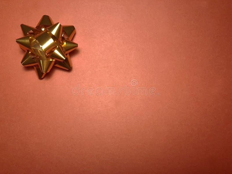 Área de mensagem vazia com o ornamento como a estrela, o papel de nota ou o quadro brilhante alaranjado na obscuridade e no fundo imagens de stock