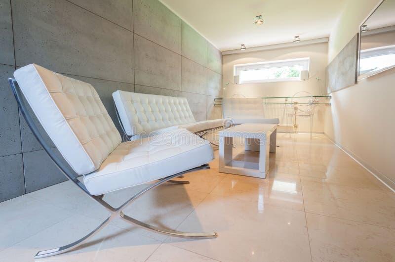 Área de repouso no interior moderno foto de stock royalty free
