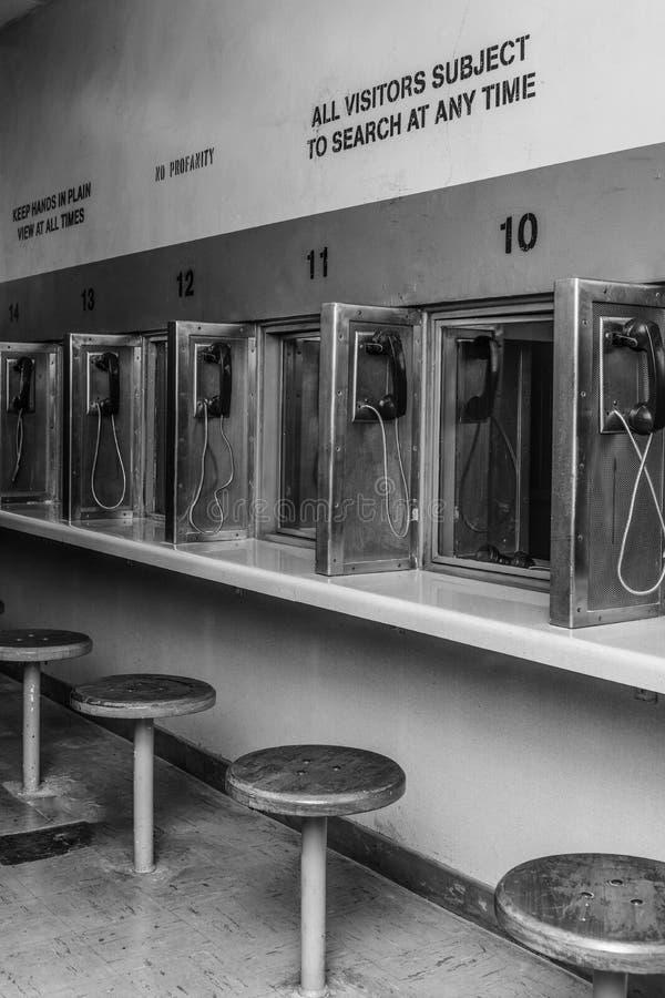 Área de visita interior da cadeia ou da prisão sem povos fotos de stock royalty free