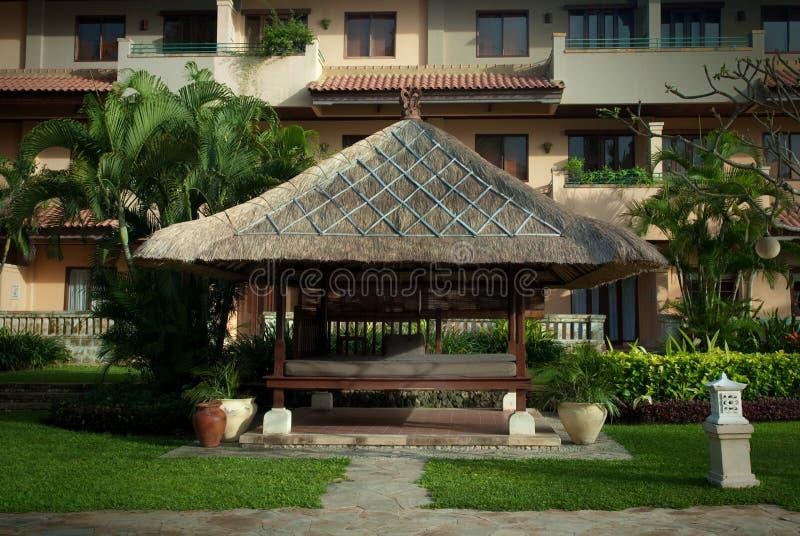 Área del balneario del hotel de Indonesia, isla de Bali, Aston Bali imágenes de archivo libres de regalías