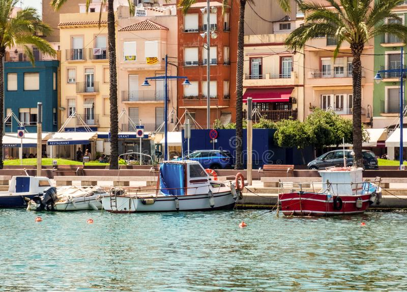 Área del EL Serrallo, un pueblo pesquero viejo Tarragona, Espa?a fotos de archivo