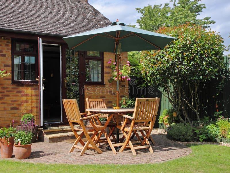 Área del patio de un jardín inglés fotos de archivo libres de regalías