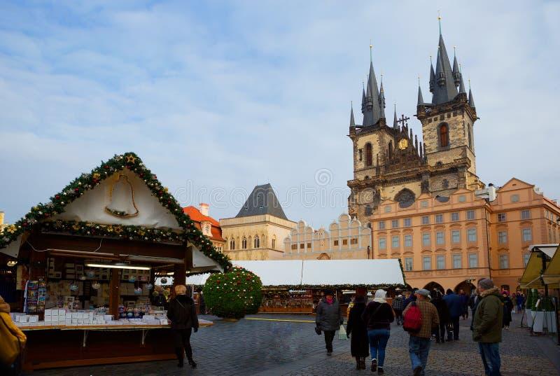 A área do mesto do olhar fixo em Praga Catedral da Virgem Maria imagem de stock