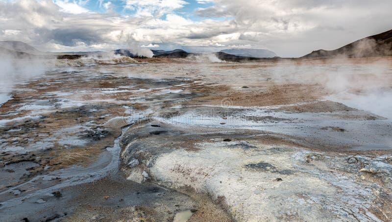 Área Geotérmica de Hverir, no norte da Islândia imagem de stock royalty free