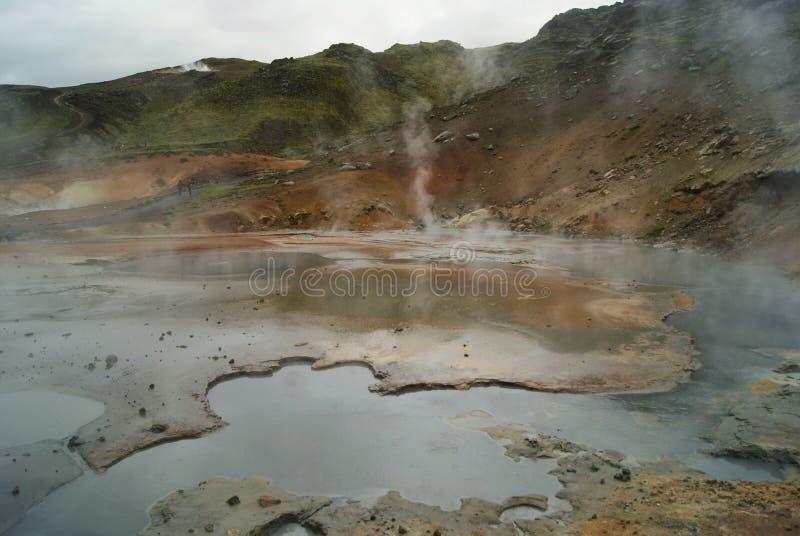 Área geotérmica de Seltún en Reykjanes, Islandia fotografía de archivo libre de regalías
