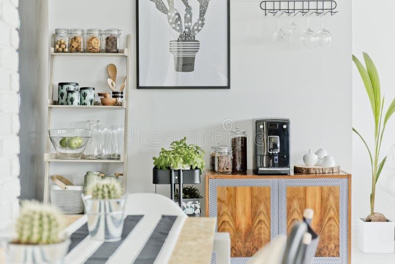 Área moderna da sala de jantar fotos de stock royalty free