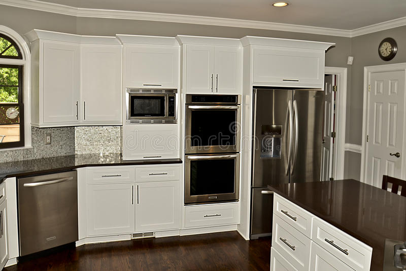 Área moderna 02 de la cocina imagen de archivo