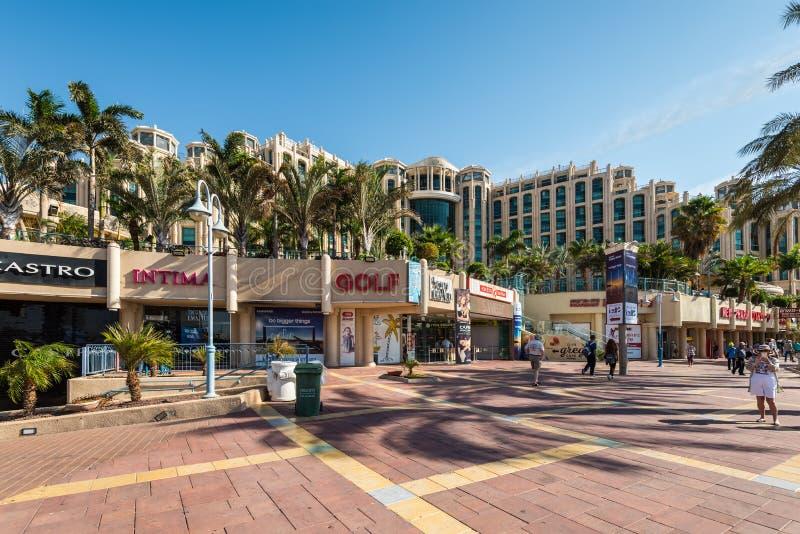Área recreativa de la 'promenade' central en Eilat, Israel imagenes de archivo