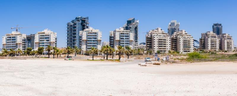 Área urbana construída nova na praia do panorama de Ashdod Israel fotos de stock royalty free