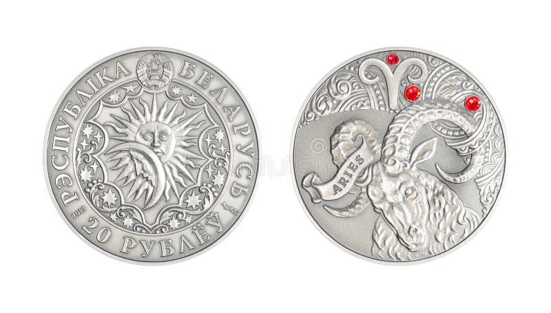 Áries astrológico do sinal da moeda de prata fotos de stock