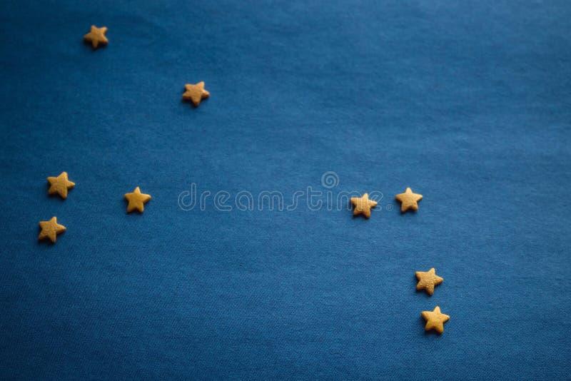 Áries da constelação em um fundo azul fotografia de stock