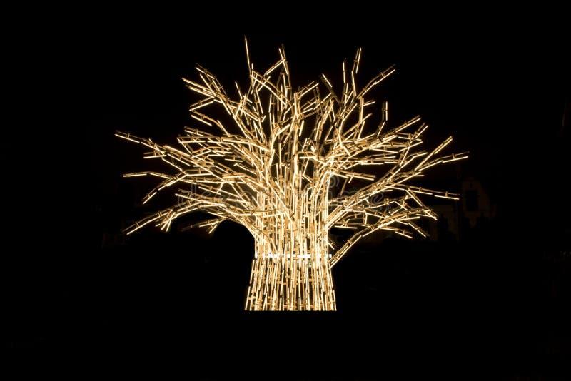 Download Árvore da luz foto de stock. Imagem de iluminado, fundo - 65575378