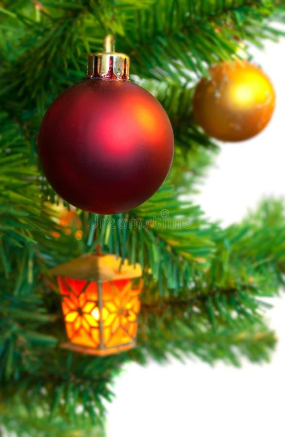 Download Árvore De Natal Com Brinquedos E Lanternas Elétricas Imagem de Stock - Imagem de xmas, branco: 16865473