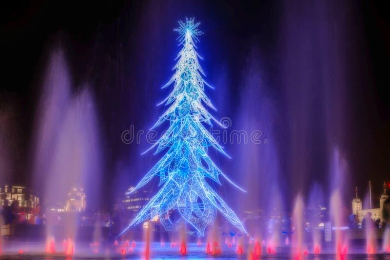 Árvore de Natal da luz em Londres fotos de stock