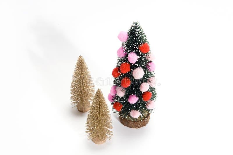 Árvore de Natal decorada com abeto dourado fotos de stock royalty free