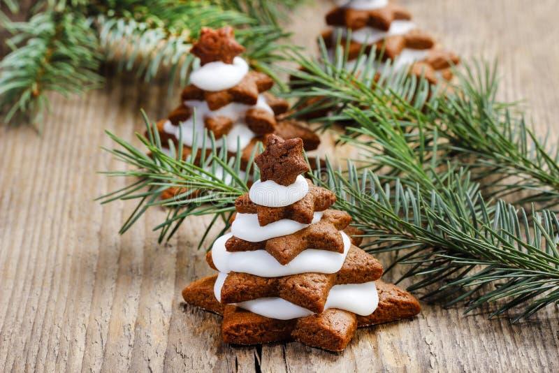 Árvore de Natal do pão-de-espécie fotografia de stock royalty free