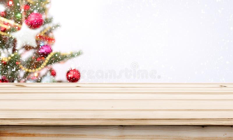 Árvore de Natal e bokeh claro borrado imagem de stock