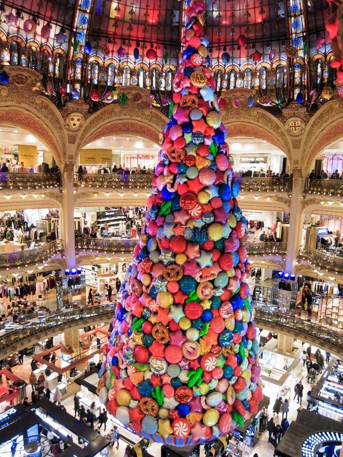 Árvore de Natal de Galeries Lafayette imagem de stock