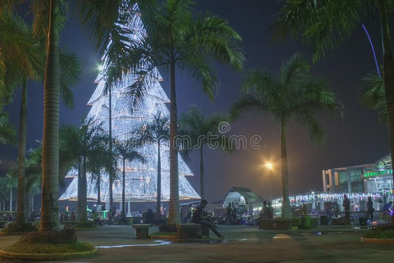 Árvore de Natal gigante da cidade de Tagum, Tagum Davao del Norte, Phili foto de stock