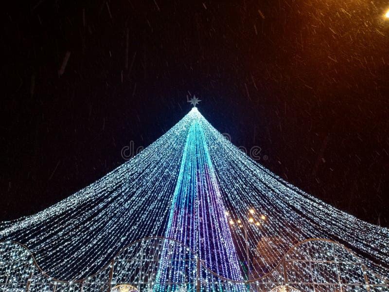 Árvore de Natal na cidade de Poltava imagens de stock royalty free