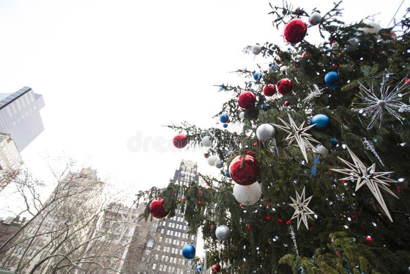 Árvore de Natal no centro de New York City imagens de stock