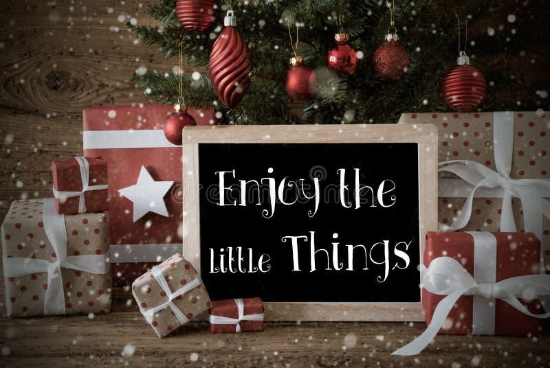 Download A árvore De Natal Nostálgica, Citações Aprecia As Coisas Pequenas, Flocos De Neve Foto de Stock - Imagem de aprecíe, donation: 80101148