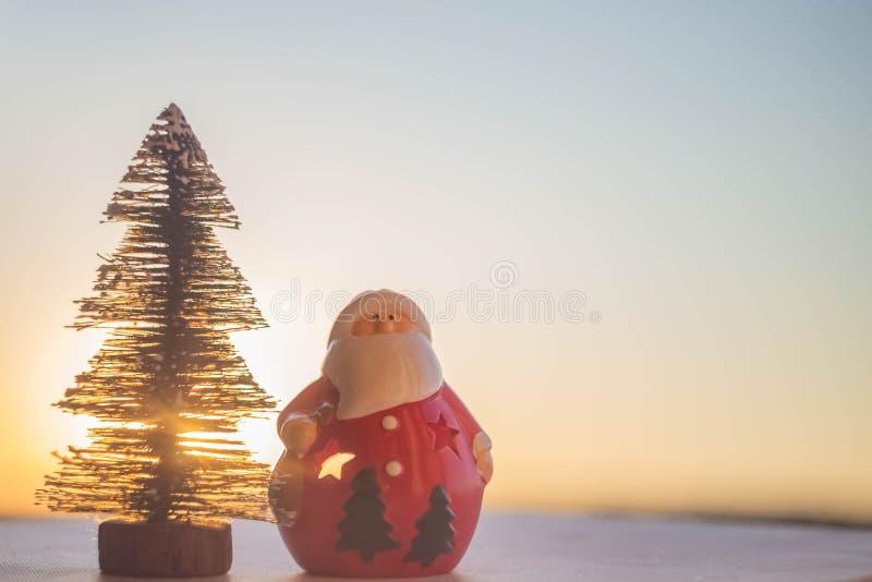 Árvore de Papai Noel e de Natal imagens de stock