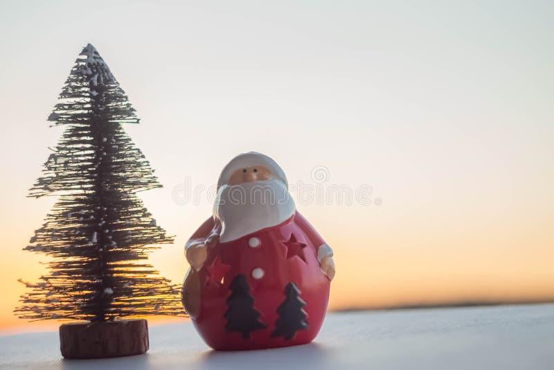 Árvore de Papai Noel e de Natal fotos de stock