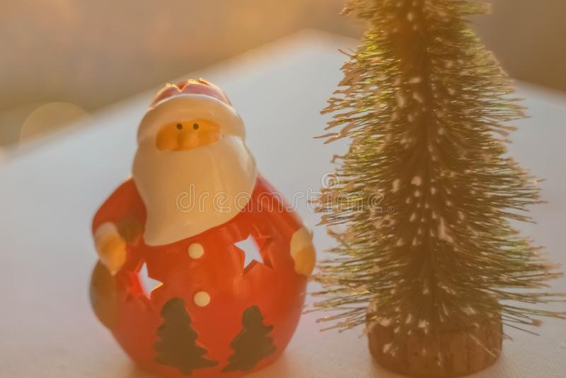Árvore de Papai Noel e de Natal foto de stock
