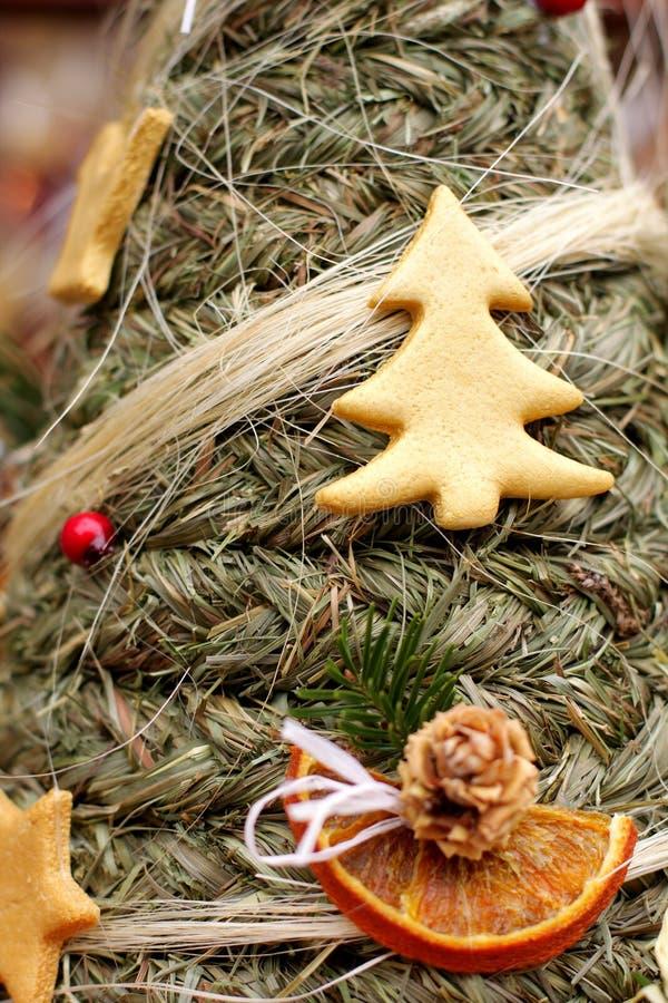 Árvore popular do abeto vermelho do Natal fotografia de stock royalty free