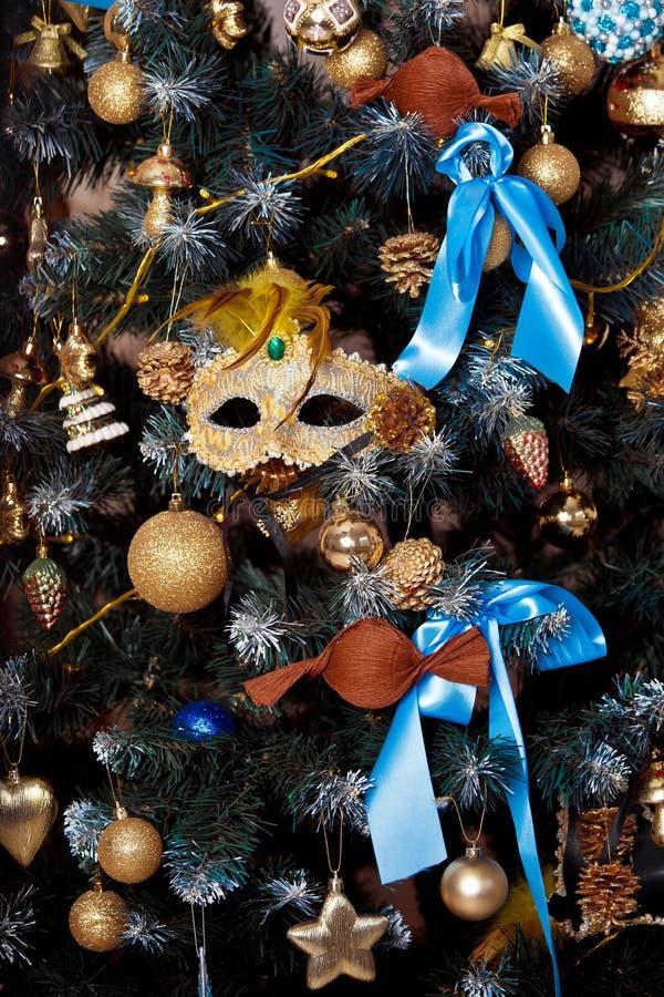 Download Árvore Verde Do Ano Novo Decorada Imagem de Stock - Imagem de decoração, lifestyle: 80101265