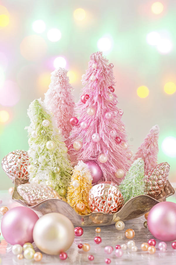 Árvores de Natal coloridas cor pastel imagem de stock royalty free
