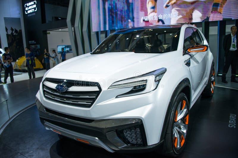Ásia China, Pequim, exposição do automóvel do international 2016, salão de exposição interno, carro futuro do conceito de Subaru  fotos de stock