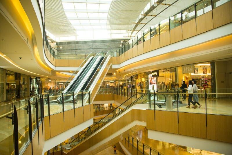 Ásia China, Pequim, plaza de compra do índigo, ¼ interno Œescalator do structureï da construção fotografia de stock royalty free