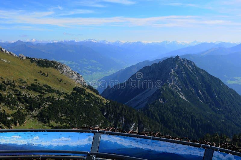 Áustria: Mountain View de Rofan no pequeno de Achensee o Ziller- e o Tux foto de stock royalty free