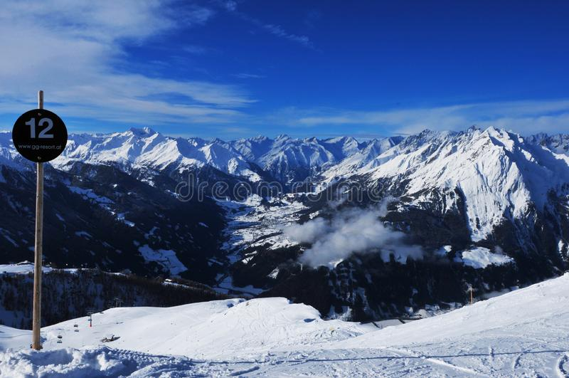 Áustria: Mountain View panorâmico do imagem de stock