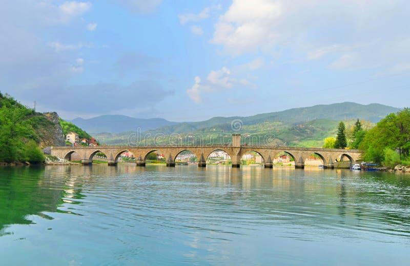 ¡De Mehmed PaÅ un puente del ‡ de SokoloviÄ en Visegrado, imagen de archivo