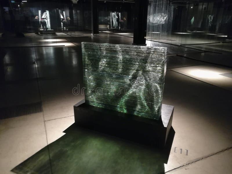 """'Stikla-tÄ """"Glasbildhauerskulptur lnieks auf der Ausstellung stockfoto"""