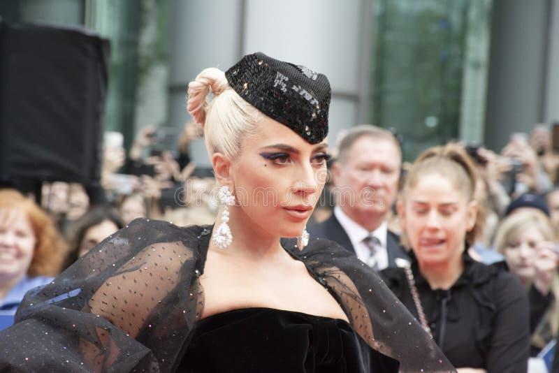 '星首放的女神卡卡是出生的'佩带的阿玛尼Privéat在多伦多国际电影节 免版税库存图片