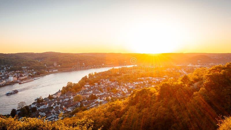 'Erpeler莱伊'日落,莱茵河谷,德国 免版税库存图片