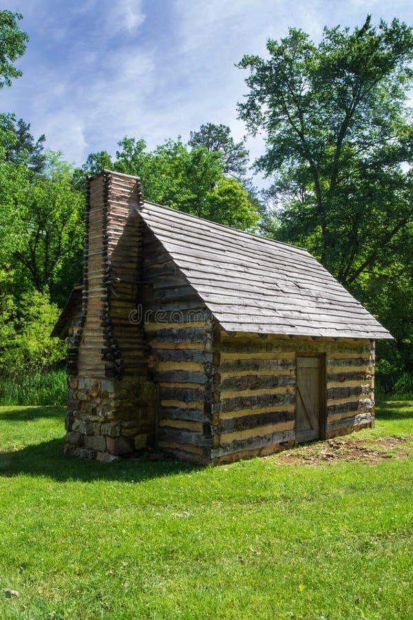 € бревенчатой хижины реплики «исследует парк, Roanoke, Вирджинию, США стоковые фото