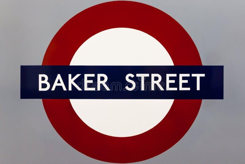 € «6-ое августа ЛОНДОНА: Знак станции метро строба Notting Hill стоковое изображение