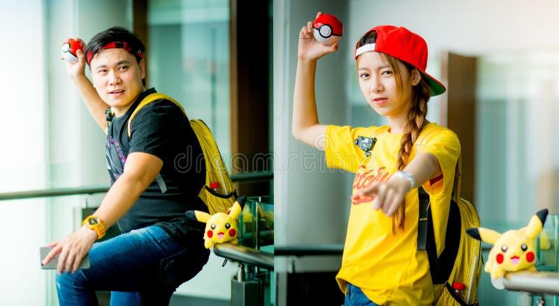 """€ """"14,2016 augusti di BANGKOK, TAILANDIA: Gioco del ragazzo & della ragazza dell'istruttore fotografia stock"""