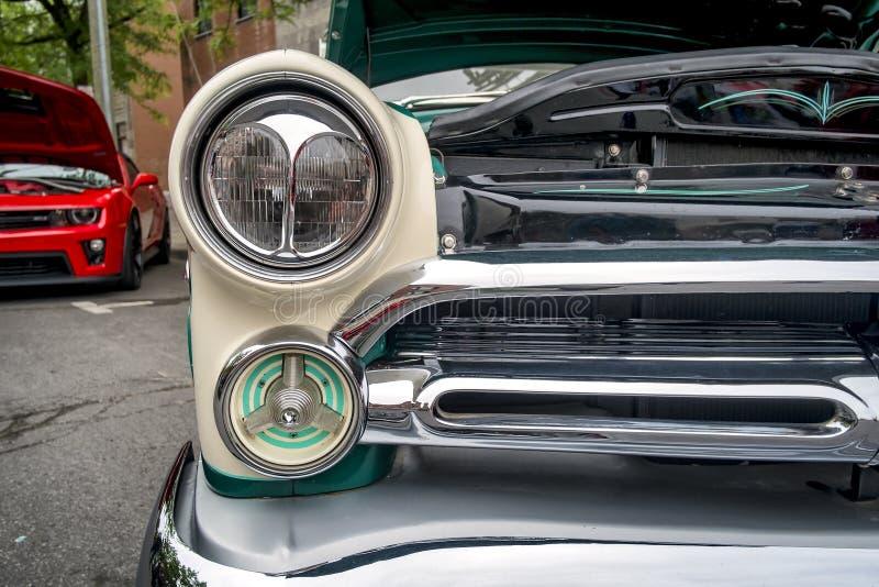 """†""""Ford dos carros dos anos 50 fotografia de stock royalty free"""